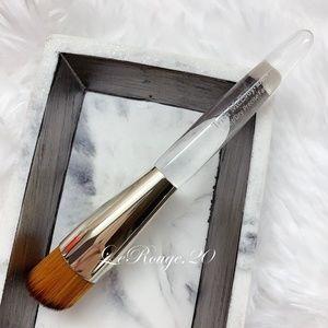 Trish mcevoy Wet/Dry Precise foundation Brush